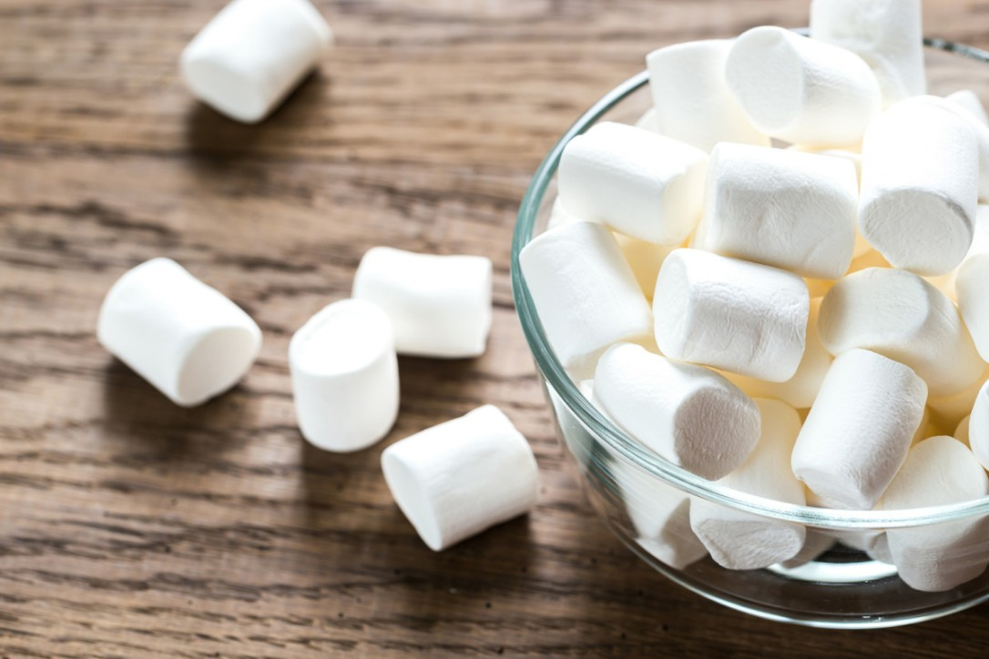 bigstock-bowl-of-marshmallows-on-the-wo-123605651jpg